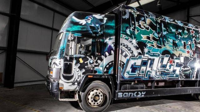 Xe tải Volvo có giá triệu đô vì được vẽ bức họa nổi tiếng - Ảnh 7.