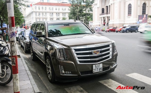 Ủng hộ 36 tỷ cho nhà nước, vua hàng hiệu Johnathan Hạnh Nguyễn còn gây choáng với bộ sưu tập xe tiền tỷ - Ảnh 7.