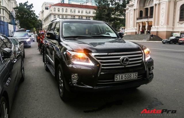 Ủng hộ 36 tỷ cho nhà nước, vua hàng hiệu Johnathan Hạnh Nguyễn còn gây choáng với bộ sưu tập xe tiền tỷ - Ảnh 10.
