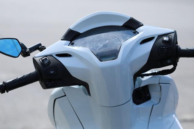 Xưởng độ ở Sài Gòn biến hóa Honda SH125i/150i thành SH300i với chi phí 12 triệu đồng - Ảnh 7.