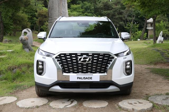Khách Việt đã có thể mua Hyundai Palisade với giá trên 2 tỷ đồng - Ảnh 1.