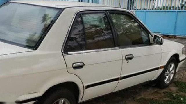 Ô tô Nissan Bluebird bỏ quên 13 năm hiện được bán với giá bao nhiêu?