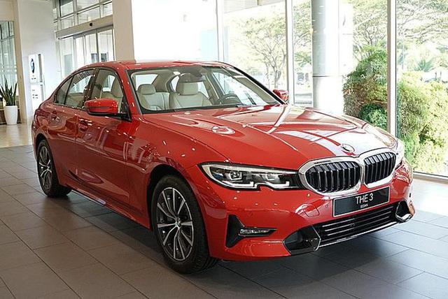 BMW giảm giá hàng loạt xe cho khách Việt chơi Tết: Cao nhất 300 triệu đồng, 3-Series mới ra mắt cũng không phải ngoại lệ - Ảnh 1.