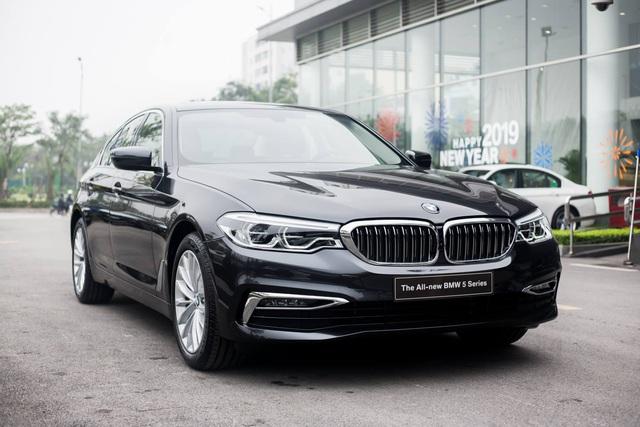 BMW giảm giá hàng loạt xe cho khách Việt chơi Tết: Cao nhất 300 triệu đồng, 3-Series mới ra mắt cũng không phải ngoại lệ - Ảnh 3.