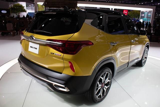 Kia Seltos ngốn xăng hơn Ford EcoSport - Ảnh 2.