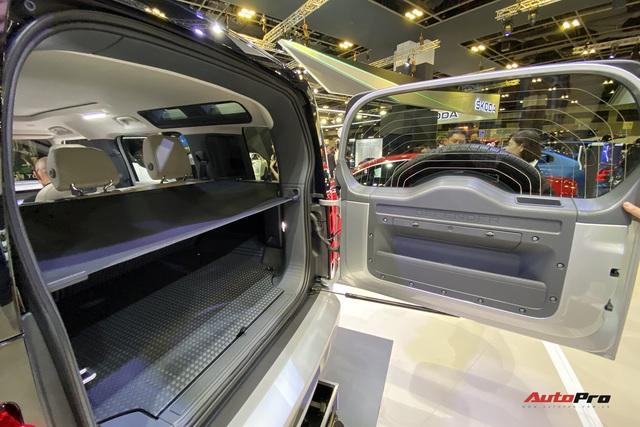 Cận cảnh Land Rover Defender 2020 giá hơn 5 tỷ đồng sắp về Việt Nam - Ảnh 7.