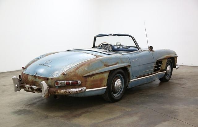 Xe cổ Mercedes-Benz đồng nát giá gần 19 tỷ đồng - Ảnh 4.