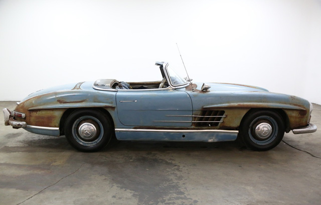 Xe cổ Mercedes-Benz đồng nát giá gần 19 tỷ đồng - Ảnh 8.