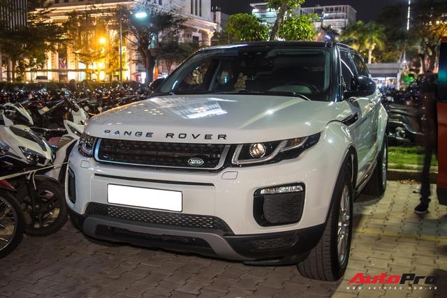 Dàn xe hàng chục tỷ đồng đưa đón sao Việt tới WeChoice Awards nhưng Chủ tịch Sơn Tùng M-TP lại chỉ đi mẫu xe phổ thông này - Ảnh 1.