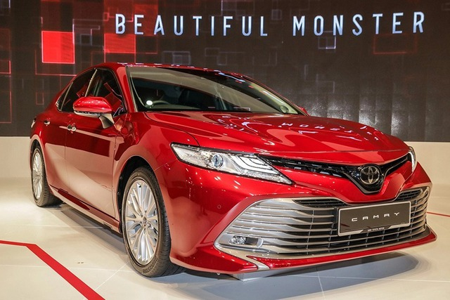 Sedan 1 tỷ: Toyota Camry vẫn độc tôn - Ảnh 2.