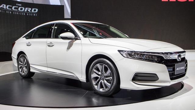 Sedan 1 tỷ: Toyota Camry vẫn độc tôn - Ảnh 8.