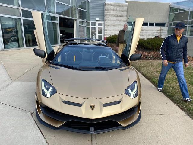 Chủ nhân chiếc Lamborghini Aventador SVJ Roadster của Gia Lai Team là ai? - Ảnh 3.