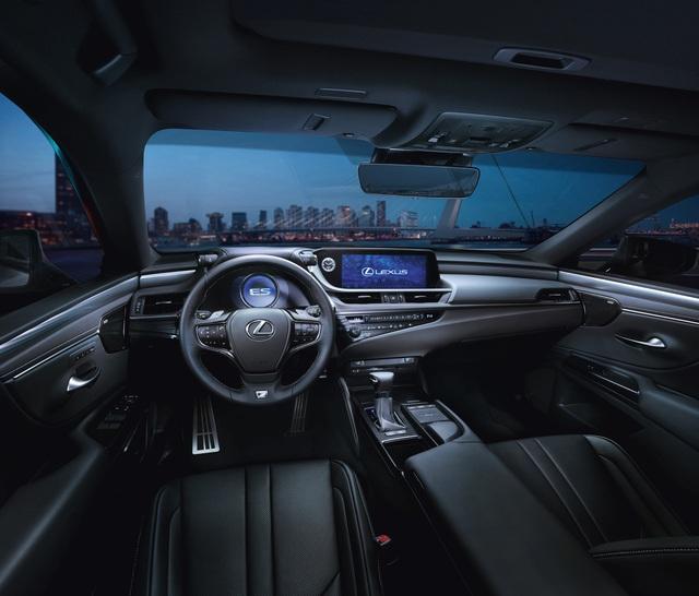 Lexus ES 2020 - Cuộc tất tay của người Nhật để hút khách Việt cuối năm - Ảnh 2.