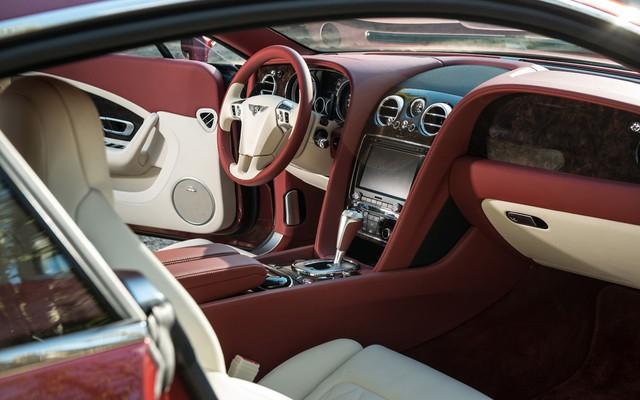 Bentley già chào mua hơn 8 tỷ đồng kèm quảng cáo: Xe này đỗ nhiều hơn đi - Ảnh 3.