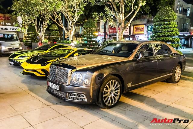 Đại gia Hoàng Kim Khánh mang loạt siêu xe, siêu sang ăn mừng tất niên - Ảnh 2.