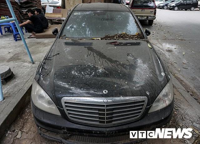 Xót xa Mercedes-Maybach S600 14 tỷ phủ bụi ở Hà Nội - Ảnh 5.