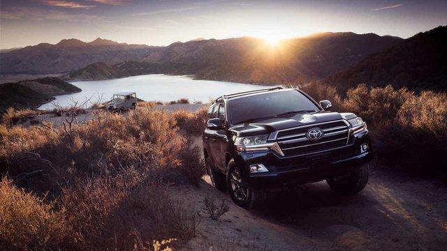 Toyota Land Cruiser sắp tung thế hệ mới: Uống xăng ít hơn, động cơ yếu hơn - Ảnh 1.
