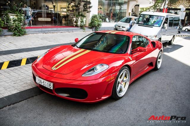 Hàng hiếm Ferrari F430 tái xuất trên phố Sài Gòn, bộ mâm đinh tán là chi tiết nổi bật nhất