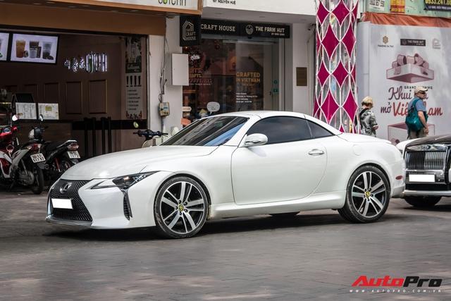 Nhờ một thay đổi nhỏ, Lexus mui trần hết thời biến hình thành LC500 cực bắt mắt - Ảnh 2.