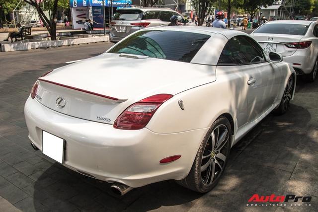 Nhờ một thay đổi nhỏ, Lexus mui trần hết thời biến hình thành LC500 cực bắt mắt - Ảnh 9.