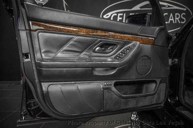 BMW 7-Series của huyền thoại nhạc Rap rao giá hơn 40 tỷ - Ảnh 11.