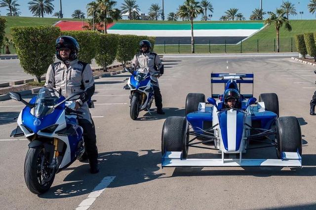 Cảnh sát Dubai được bàn giao dàn Ducati Panigale V4 S chất như nước cất - Ảnh 3.