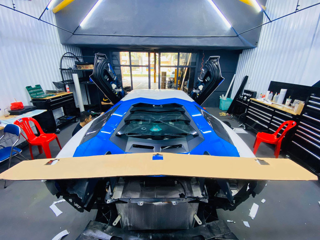 Đổi chủ, Lamborghini Aventador độ Liberty Walk bản giới hạn lên đời bộ cánh mới, tông xuyệt tông với người anh em chung nhà - Ảnh 7.