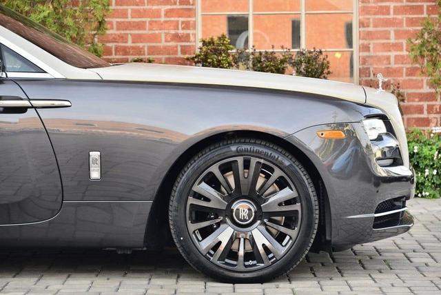 Rolls-Royce Wraith phiên bản tiểu sử đặc biệt chào hàng đại gia Việt với mức giá rẻ sốc 16 tỷ đồng - Ảnh 3.