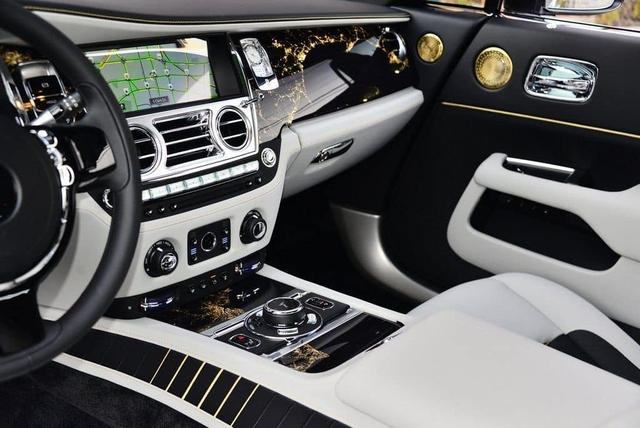 Rolls-Royce Wraith siêu hiếm cả thế giới chỉ có 50 chiếc sắp xuất hiện tại Việt Nam - Ảnh 8.