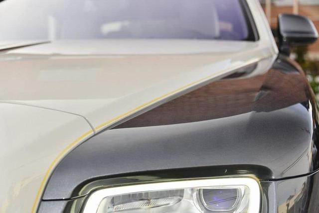 Rolls-Royce Wraith phiên bản tiểu sử đặc biệt chào hàng đại gia Việt với mức giá rẻ sốc 16 tỷ đồng - Ảnh 8.