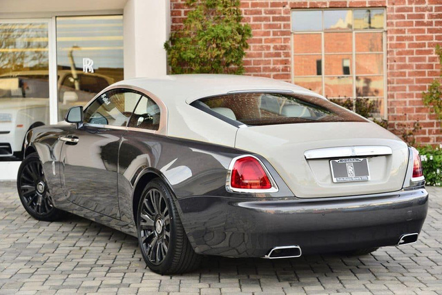 Rolls-Royce Wraith phiên bản tiểu sử đặc biệt chào hàng đại gia Việt với mức giá rẻ sốc 16 tỷ đồng - Ảnh 7.