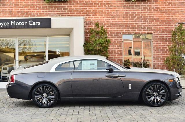 Rolls-Royce Wraith phiên bản tiểu sử đặc biệt chào hàng đại gia Việt với mức giá rẻ sốc 16 tỷ đồng - Ảnh 2.