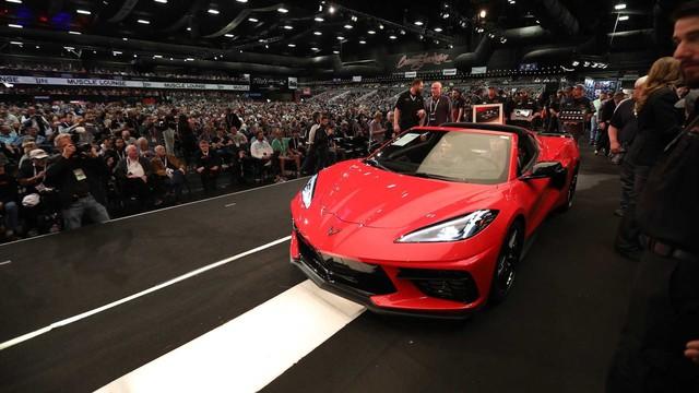 Chevrolet Corvette 001 bán được giá siêu tưởng - Ảnh 1.