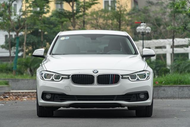 3 năm tuổi, BMW 320i vẫn có giá bán lại cao hơn Toyota Camry mua mới - Ảnh 4.