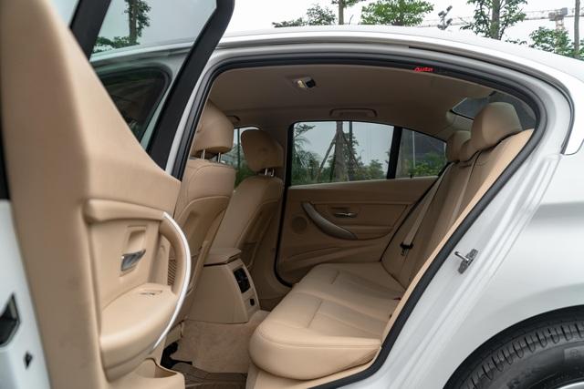 3 năm tuổi, BMW 320i vẫn có giá bán lại cao hơn Toyota Camry mua mới - Ảnh 8.
