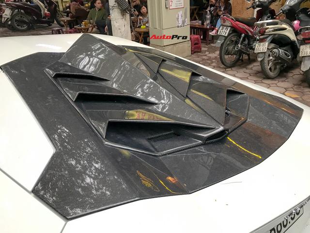 Lamborghini Aventador LP700-4 chính hãng duy nhất tại Việt Nam bất ngờ đón Tết tại Hà Nội, xuất hiện trên đường với màn khạc lửa ấn tượng - Ảnh 5.