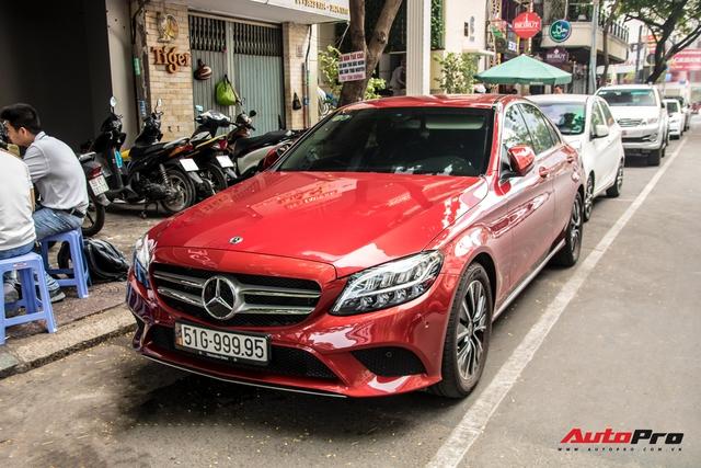 Siêu xe biển khủng đua nhau lên phố Sài Gòn dịp Tết, một chiếc đeo biển lạ gây chú ý - Ảnh 2.