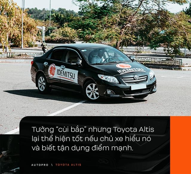 Nhà không có gì ngoài xe, 9X Hà thành chọn 'phá' Toyota Altis - Cho thùng tôn đi đu đưa lại nhận cái kết bất ngờ - Ảnh 7.