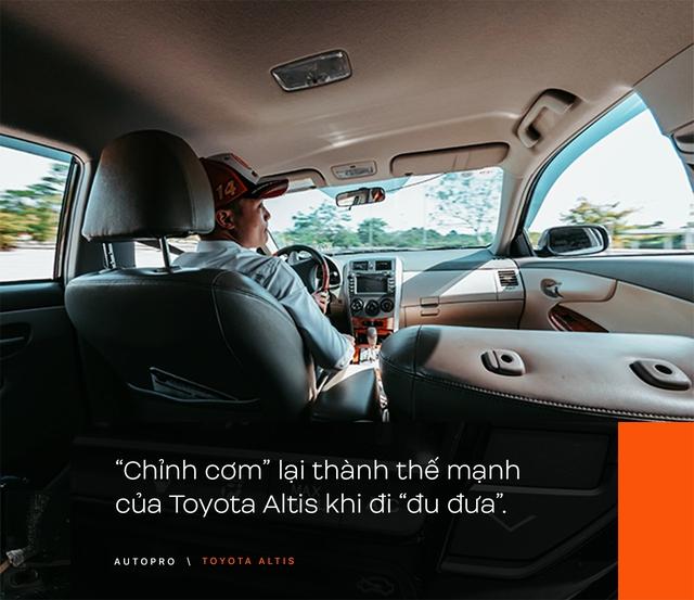 Nhà không có gì ngoài xe, 9X Hà thành chọn 'phá' Toyota Altis - Cho thùng tôn đi đu đưa lại nhận cái kết bất ngờ - Ảnh 9.