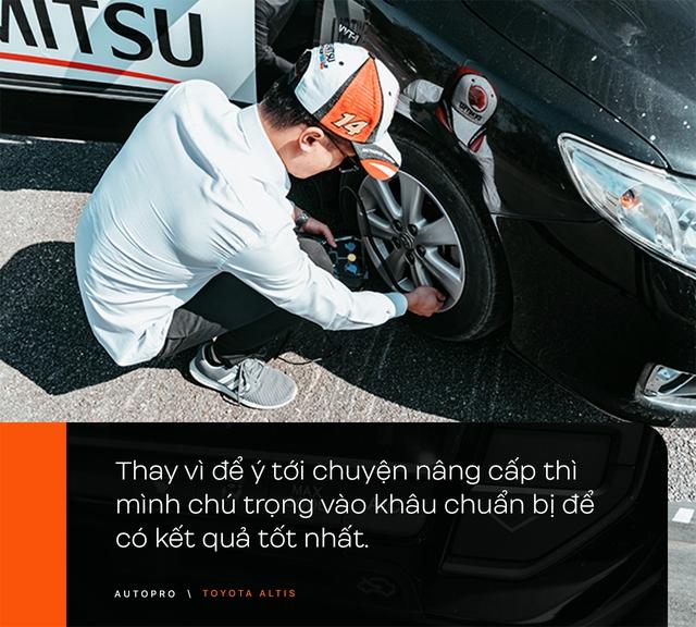 Nhà không có gì ngoài xe, 9X Hà thành chọn 'phá' Toyota Altis - Cho thùng tôn đi đu đưa lại nhận cái kết bất ngờ - Ảnh 11.