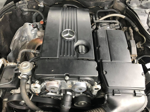 Bán Mercedes-Benz C180K Sport màu hiếm giá chưa đến 300 triệu, chủ xe hứng trọn 'gạch đá' đầu xuân - Ảnh 6.