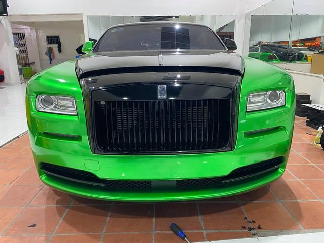 Rolls-Royce Wraith của đại gia Bạc Liêu đổi màu sơn cực độc để chơi Tết - Ảnh 5.