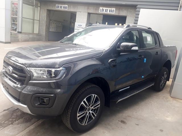 Ford Ranger Wildtrak 2020 đầu tiên về Việt Nam, phiên bản cũ giảm giá tới 80 triệu đồng - Ảnh 1.