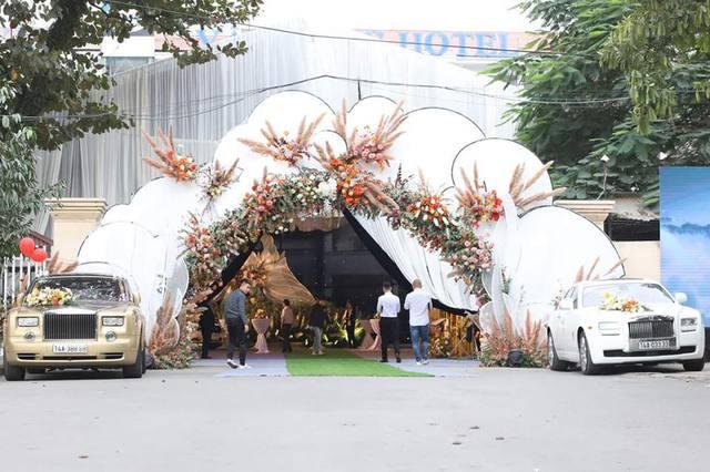 Xe sang và siêu sang hàng hiếm biển đẹp giá chục tỷ quy tụ tại đám cưới đình đám Quảng Ninh - Ảnh 6.