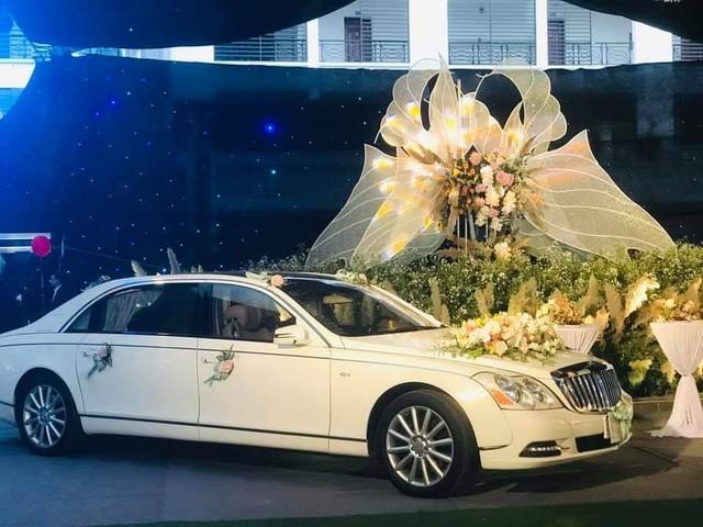Xe sang và siêu sang hàng hiếm biển đẹp giá chục tỷ quy tụ tại đám cưới đình đám Quảng Ninh - Ảnh 3.