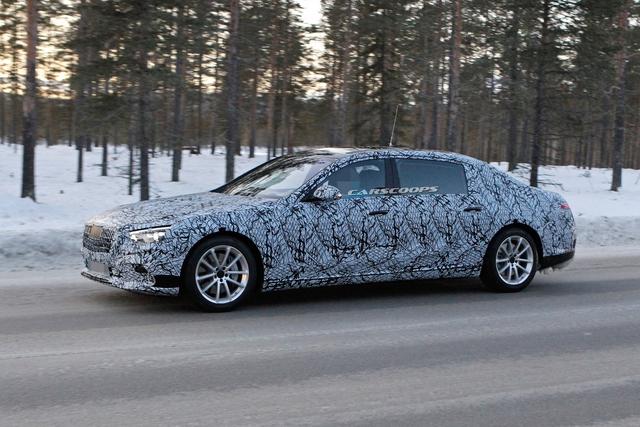 Mercedes-Benz S-Class mới lần đầu lộ diện trong nhà máy nhưng trang bị bên trong mới đáng chú ý - Ảnh 2.