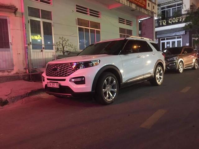 Hàng hot Ford Explorer 2020 bất ngờ xuất hiện tại Việt Nam - nguồn gốc chiếc xe khiến nhiều người tò mò - Ảnh 1.