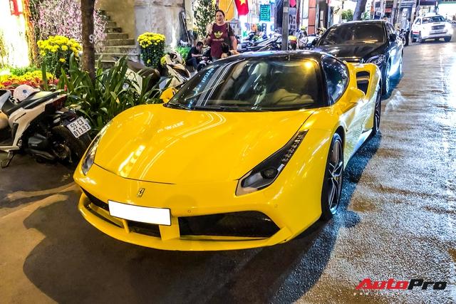 Thiếu gia 1997 Phan Hoàng cầm lái Ferrari 488 GTB sau thời gian dài ở ẩn khiến cả phố Sài Gòn náo động - Ảnh 11.