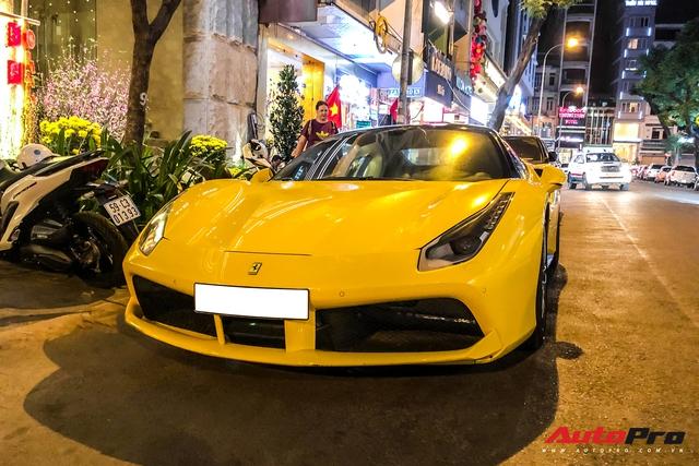 Thiếu gia 1997 Phan Hoàng cầm lái Ferrari 488 GTB sau thời gian dài ở ẩn khiến cả phố Sài Gòn náo động - Ảnh 8.