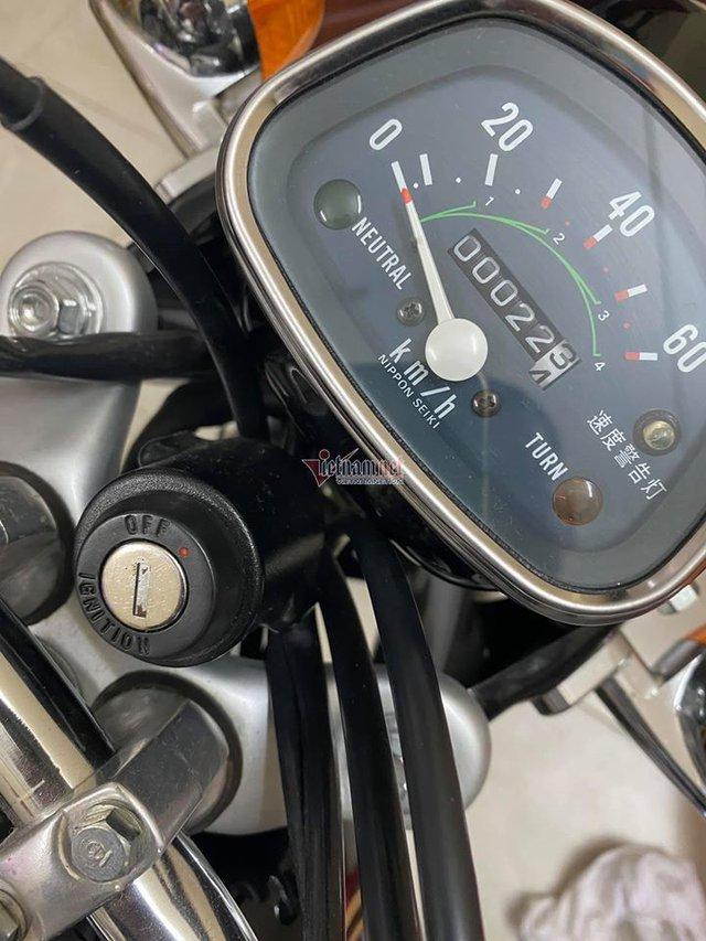Xe máy Honda CD50 43 năm tuổi chưa từng đổ xăng 800 triệu - Ảnh 3.
